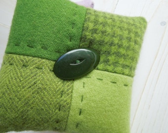 Pincushion - Four Patch Pattern - Felted Wool - Green  -  Vintage Bakelite & Celluloid Buttons