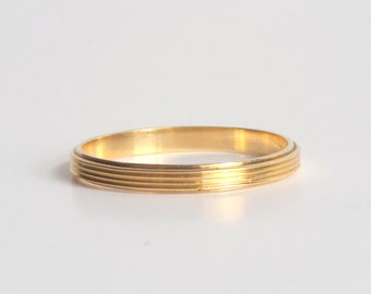 Art Deco Wedding Band. Minimal Ridged 14k Gold.
