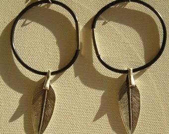 Metal leaf earring dangle/hook earrings leaf/hoop earrings rubber