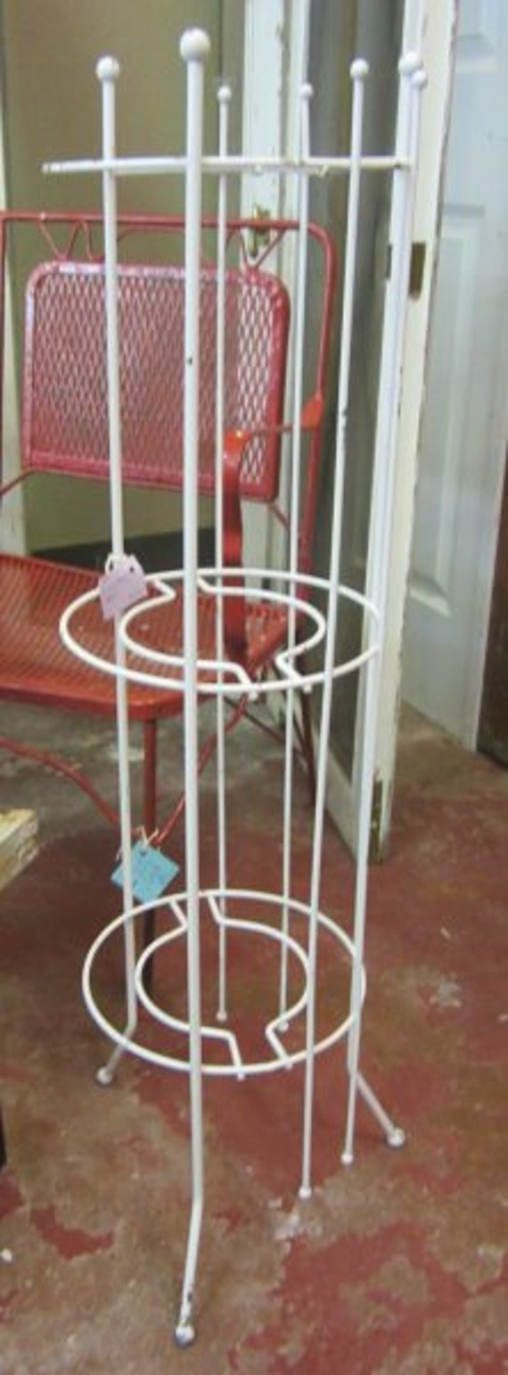 shabby tall wrought iron plant stand prairie by rosesnmygarden. Black Bedroom Furniture Sets. Home Design Ideas