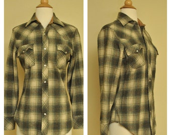 Mens Green Plaid Button Up with Pearl Snap Buttons Western Cut Size Small for Men or Women