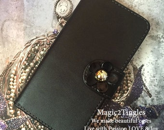 Spring SALE Luxury Classic Daisy Flower Open Book Synthetic Leather ID Wallet Case iPhone 4S Black or White
