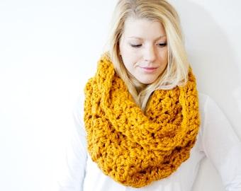 The CALGARY scarf - Chunky Cowl Scarf Hood Neckwarmer - butterscotch/mustard - wool blend