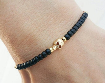 Skull bracelet, Thread bracelet, friendship bracelet - black beads gold skull nylon cord
