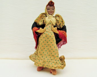 "1940's Spanish doll, ""chulapa"" doll wearing traditional dress of Madrid, cloth body female doll with composition head"