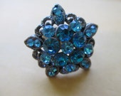 Vintage Jewelry flower Ring adjustable copper toned finish band aqua blue rhinestones no markings