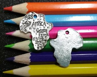 10 PCS - Africa Continent Safari Silver Charm Pendant C0190