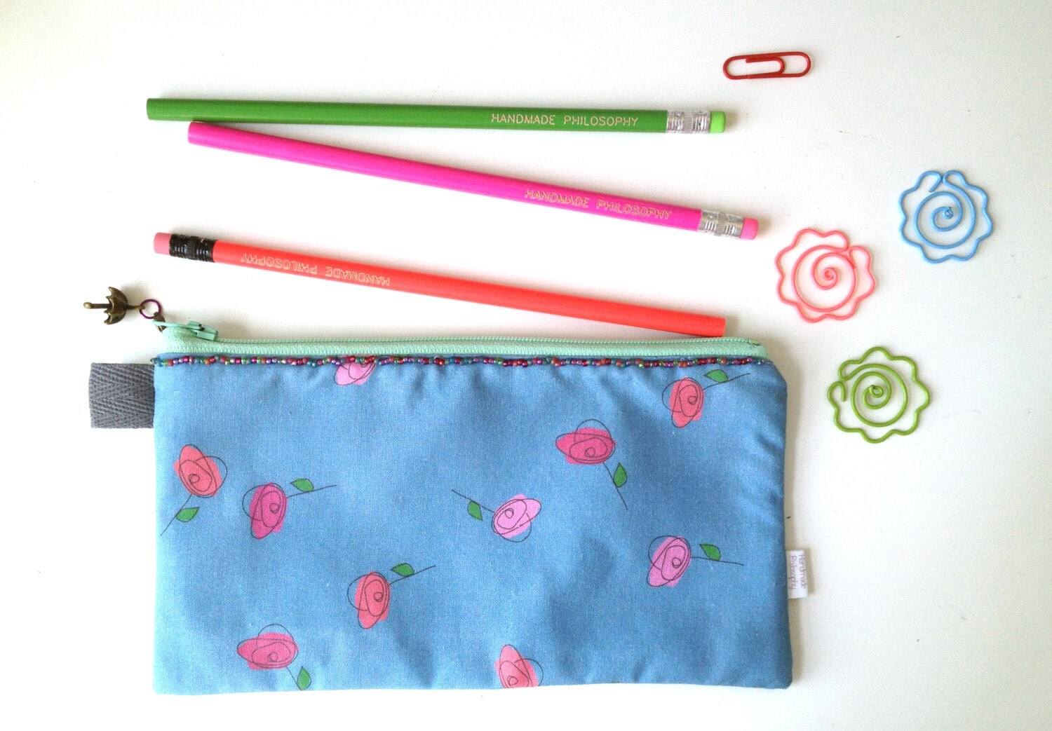 how to make your own pencil case out of fabric