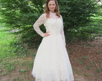 50's Wedding Dress 1950s Cream Lace Emma Domb Cupcake Dress Vintage 1950's 50s Bombshell Strapless Layered Modest Feminine Wedding Dress