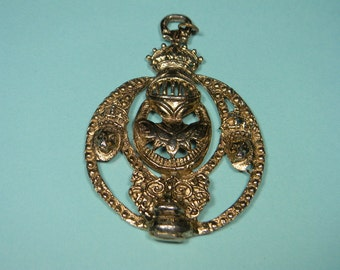 Knight Pendant, Lions, Crowns, Fairy Tale, Romance, Vintage