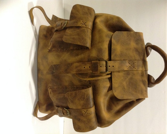 Leather Backpack,Sturdy Large Travel And Weekend Backpack For Men And Women  Made Of Rustic Leather