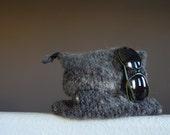 """Vintage Grey Wool TOTE, Wool Bag,  10"""" x 8"""", Slow design. momoish made."""