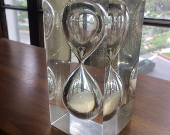Mid Century Lucite Paperweight Timer