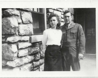 Old Photo Couple Ww2 Us Soldier 1940s Photograph snapshot vintage Woman Man