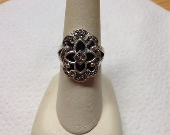 Vintage 925 Sterling Silver with Marcasite Accent Ring, Size 7.5
