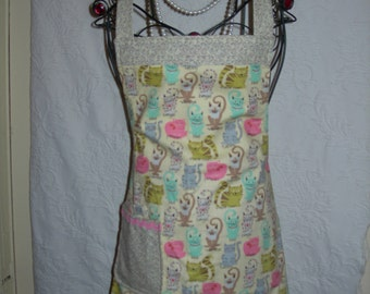 Cat Lovers Reversible Apron in Pastels and Multi colors. Brighten up your kitchen in this little dolly...