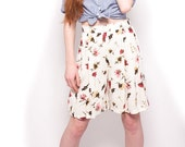 Vintage 90s White High Waist Floral Shorts Size XS