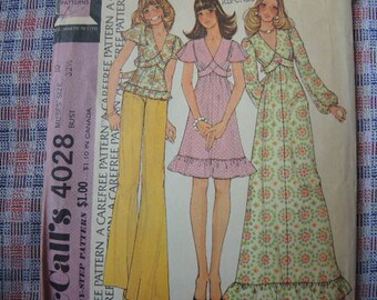 vintage 1970s McCalls sewing pattern 4028 misses dress or top size 10