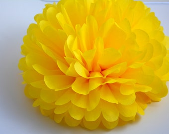 One Buttercup Tissue paper Pom Poms // Wedding Decorations // Party Decorations // Pom Poms