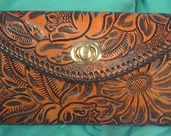 Gorgeous Clutch Purse makes every day Organized with STYLE! - N250