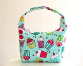 Large Insulated Lunch bag, Large Lunch Bag, Reusable Lunch Bag, Women Lunchbag, Lunch Bag, Girl School Lunch Bag, Mint Green Cupcake Design