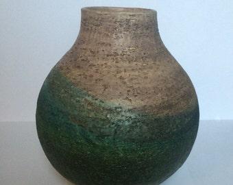 Marcello Fantoni for Raymor , ITALY. Green and white glaze vase.