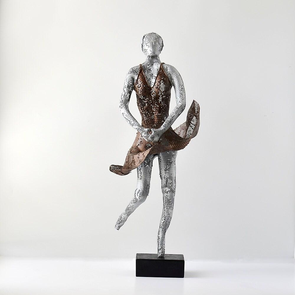 Metal art Ballet dancer wire mesh home decor