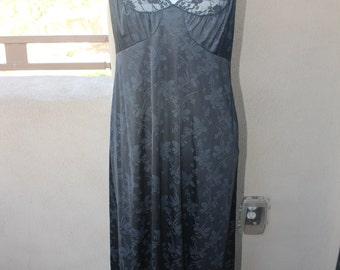 Vintage JOLIE TWO Black Floral Print Full Length Nightgown  SZ M