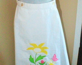 POINTMAKERS of Phoenix Vintage White Cotton Wrap Skirt with Embroidered Flowers