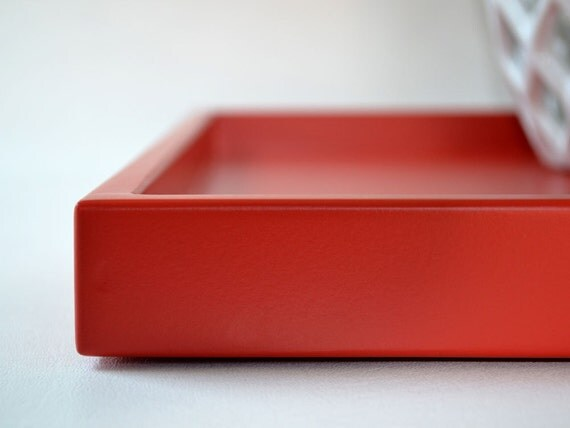 Poppy red shallow decorative tray 14 x 18 lacquered wood for Shallow coffee table