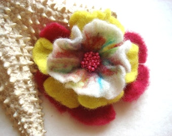 Pink, Yellow, White Felted Flower Brooch Pin,Wool Felt, Felted Wool, Felt Brooch, Flower Brooch, Pin, Felt Flower Pin, Beaded Flower