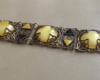 Vintage Czech yellow Vaseline glass and enameled bracelet with yellow and blue enamel triangles in Brass