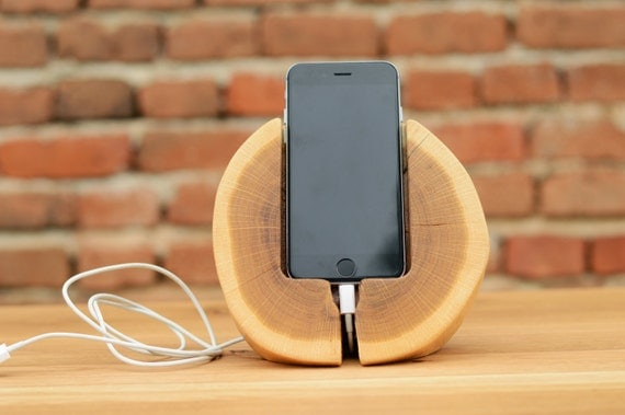 holzverarbeitung iphone 6 docking station aus holz iphone. Black Bedroom Furniture Sets. Home Design Ideas