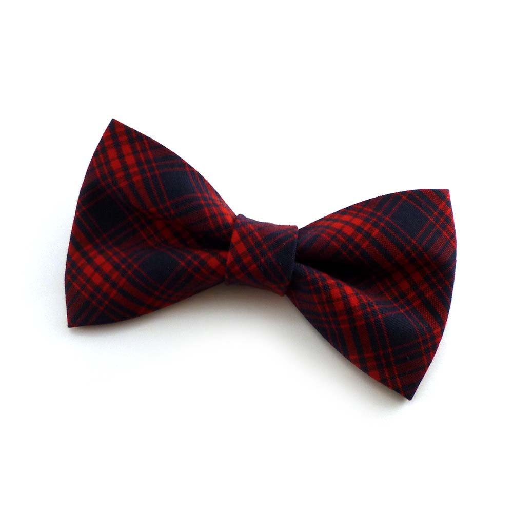Free shipping available. The Tie Bar offers premium quality men's red clip on bow ties at a great value.