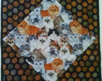 QUILTED TABLE  Center  PieceTable TopperTable Decor CAT  Detailed  Stitching On Top