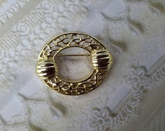 vintage brooch pin costume jewelry