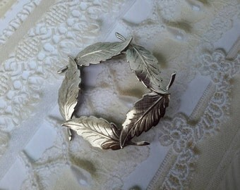 vintage brooch pin jewelry costume leaf silver
