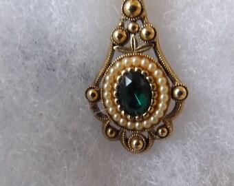 """Vintage Avon Goldtone Oval Pendant Necklace 22"""" Chain CL20-12"""