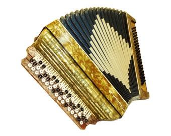 German Button Accordion Instrument, 100 Bass, 552
