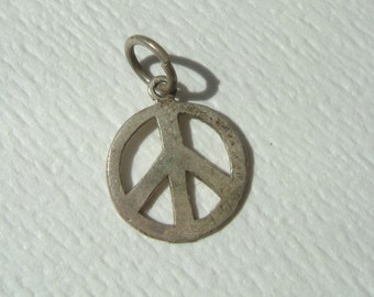 vintage sterling peace sign charm