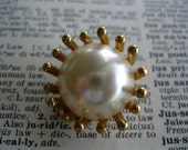 Lovely Vintage Coro Pearl...
