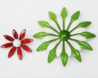 Vintage Daisy Enamel Flower Brooch or Pin