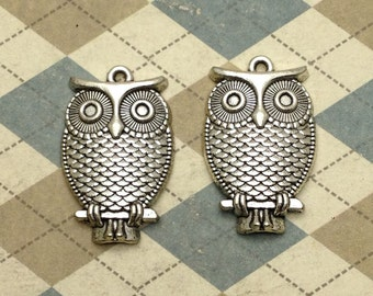 10 pcs of Antique Silver Lovely Owl Pendants Charms 18mmx28mm