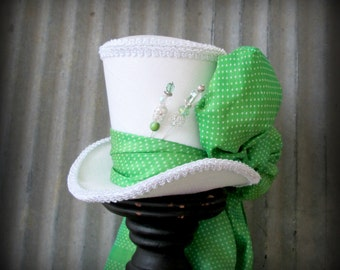 Kentucky Derby Hat, Green Polka dot hat, Alice in Wonderland Mini Top Hat, Tea Party Hat, Mad Hatter Hat, Bridal Shower