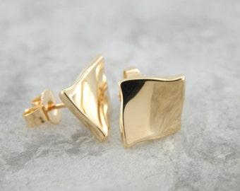 Modernist Yellow Gold Square Twist Earrings  RZUJ8Q-N