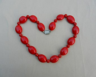 Vintage Strand Of Blood Red Bohemian Lamp Work Glass Beads In Oval Tabs And Facetted Rounds