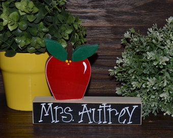 Personalized Teacher Appreciation Gift Name Plate Wedding Gift for Teacher Personalized Teacher Gift End of School Year Gift Name Plaque