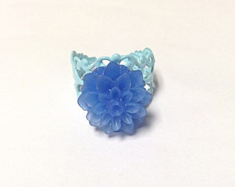 Blue flower ring, filigree ring