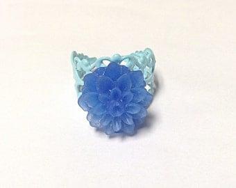 Blue flower ring, filigree ring