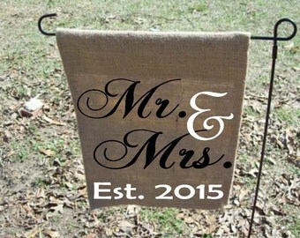 Mr & Mrs personalized garden flag, personalized wedding gift, wedding present, burlap personalized